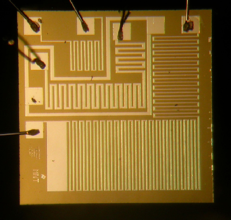 Photograph-of-a-silicon-chip-with-the-three-platinum-resistors-2.png